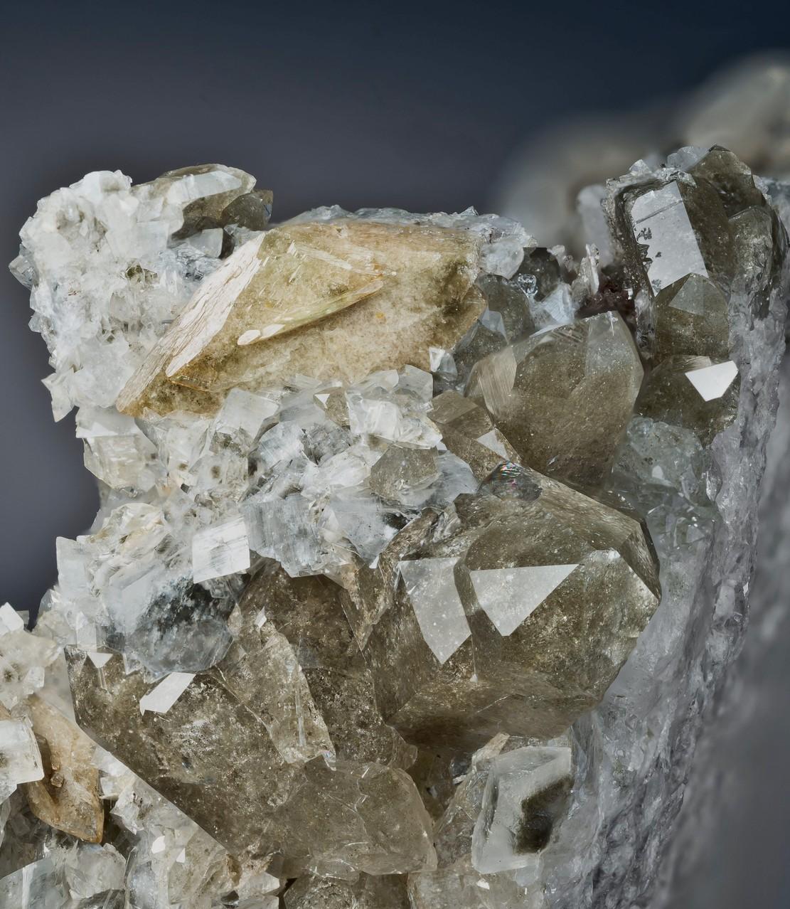 Titanit auf Quarz  Lötschental Anengletscher