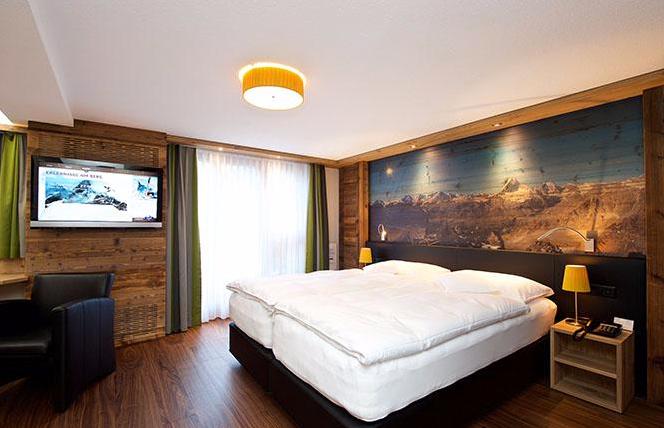 Hotel Couronne Dekovorhänge Parkettboden Bittel Zermatt Wallis