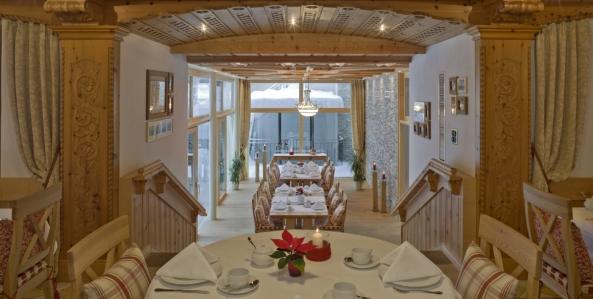 Hotel Allalin Zermatt Parkett di legno Kissen Polsterarbeit Innendekorationen