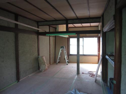 最近改装のために内部を撤去工事中!