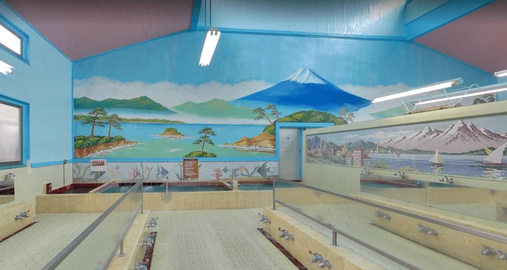 日本一の富士山の絵が描かれた銭湯へ