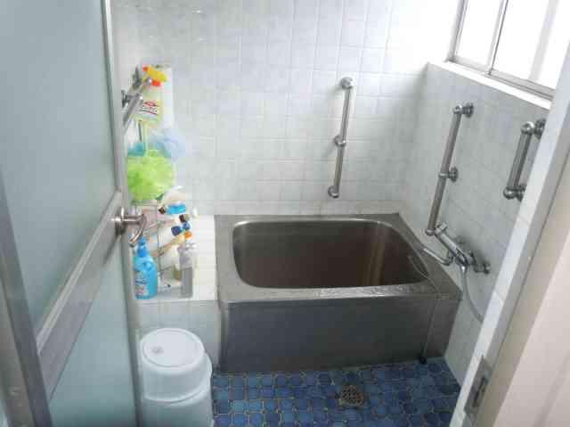 少し狭いステンレス浴槽にも満足した時も