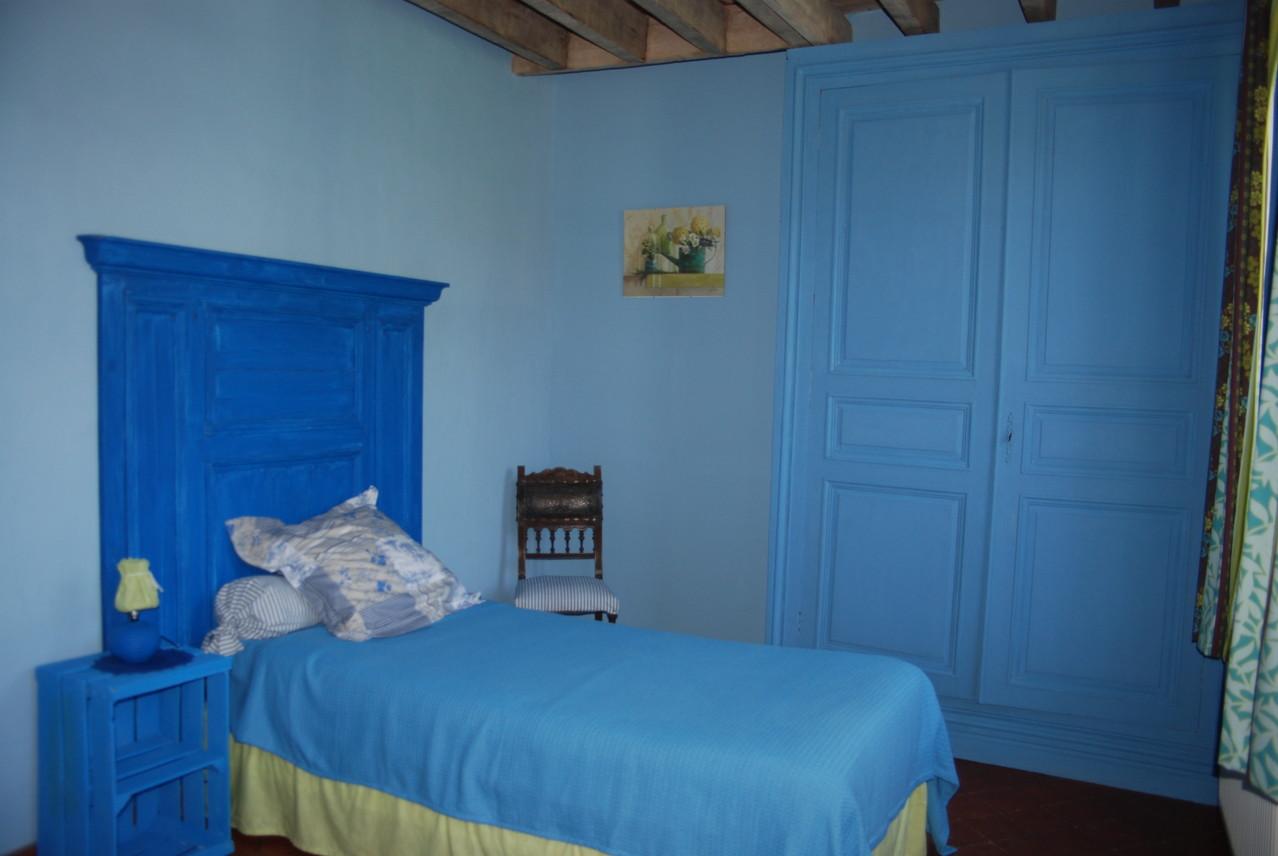 chambre bleue gîte écologique Thiérache