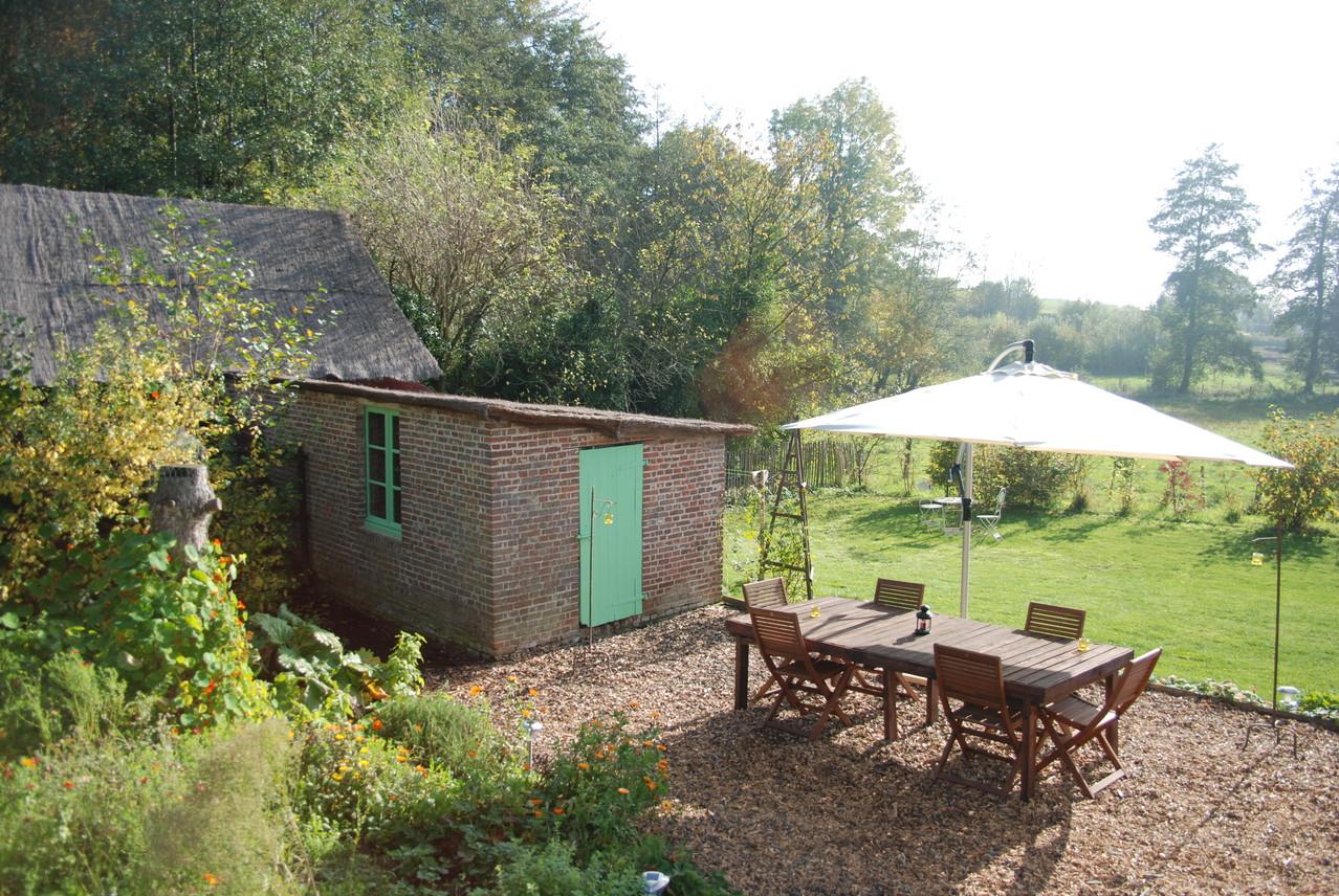 terrasse jardin gite ecologique Thierache