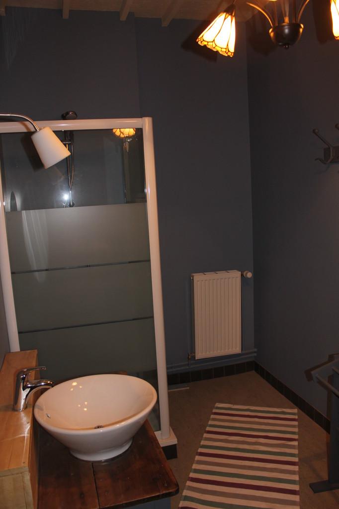 salle de bains étage écogîte Thiérache