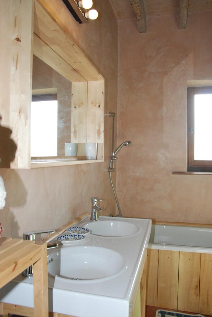 salle de bains rdc gîte écologique Thiérache