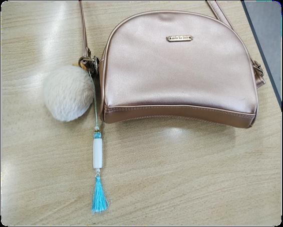 小学生の女の子がバッグに付けて帰りました♡