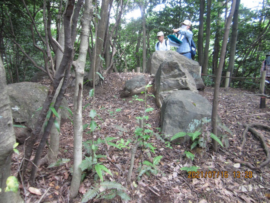 東谷山27号墳の横穴式石室