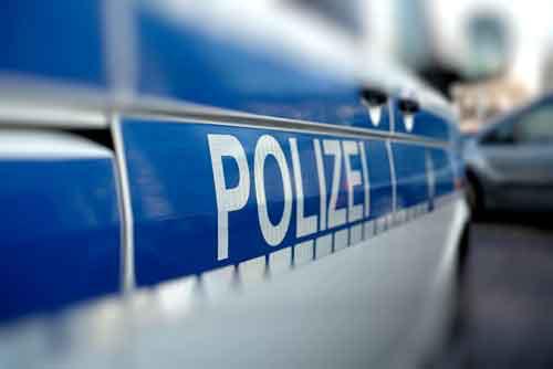 Fahrerflucht - die Polizei steht vor der Tür! Tipp vom Rechtsanwalt: Machen Sie keine Aussage!