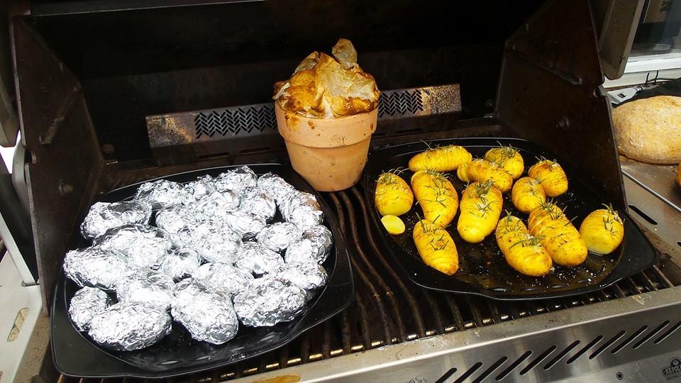 Grillkartoffeln Blumentopfbrot ale-x-bbq