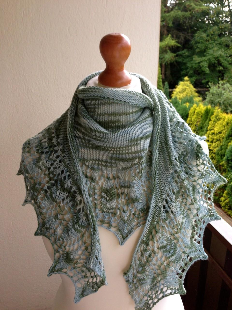 Wedgewood Schal aus Merinowolle in Graugrüntönen
