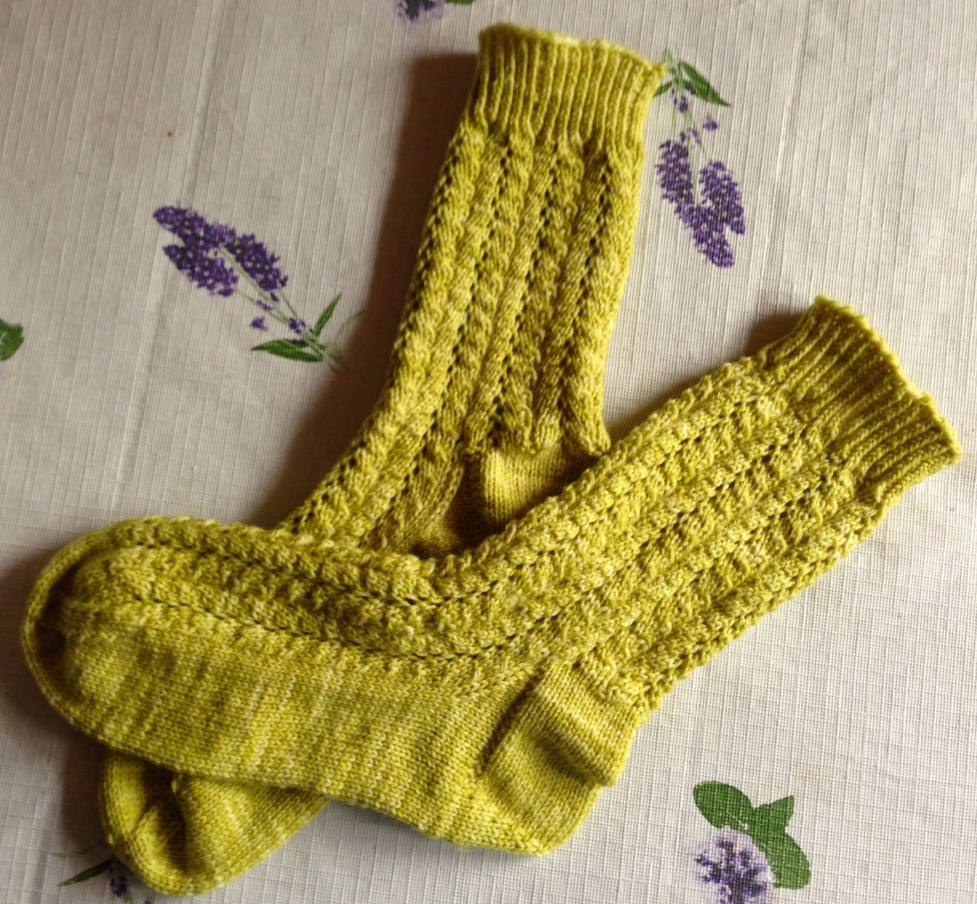 Damensocken aus Merino Hightwist in kiwi