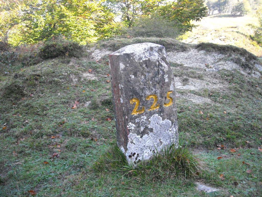Borne 223 au départ du tour du lac.