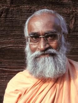 Swami Yogeshwarananda Giri