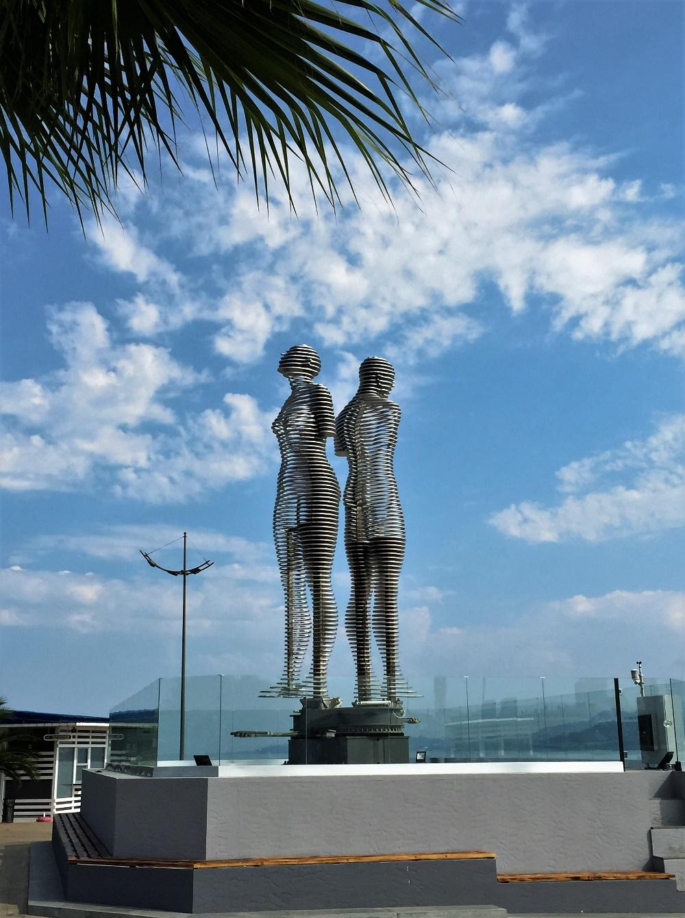 Ali und Nino am Schwarzen Meer