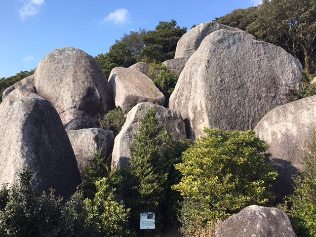 巨石群たち