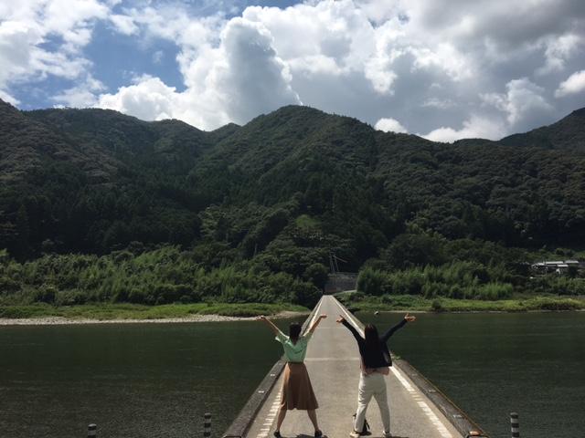 高知アイス売店の近くにあります。名越屋の沈下橋!この写真は去年のものですが、ここもとーってもおすすめ☆