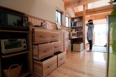 オリジナル手作り食器棚
