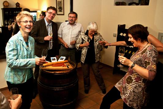 Weinprobe in geselliger Runde