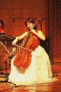 高価なチェロを優雅&力強く演奏するユミピョン。