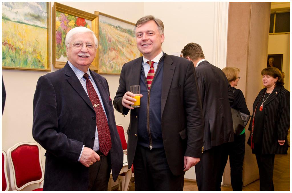 Major-General i.TR. Helmut A. J. Eberl, DMG  President  Union of the European Historical Military Groups (UEHMG), Hon. Generalkonsul Dr. Wolfgang Breitenthaler.