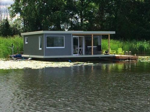 Außenansicht Haus auf dem See, Hohennauener See
