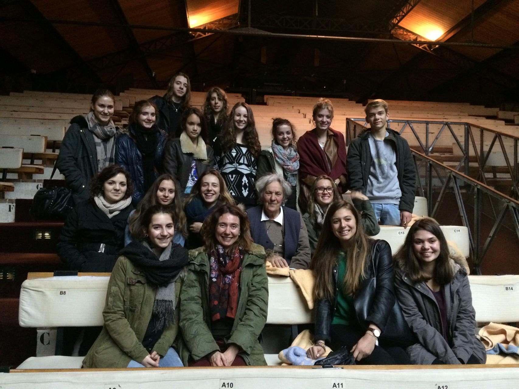 Ariane Mnouchkine et les élèves