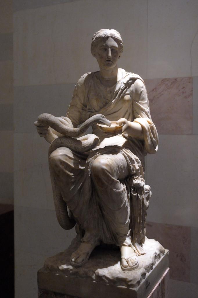 Гигиея (богиня здоровья). Римская копия по греческому оригиналу III в до н.э.