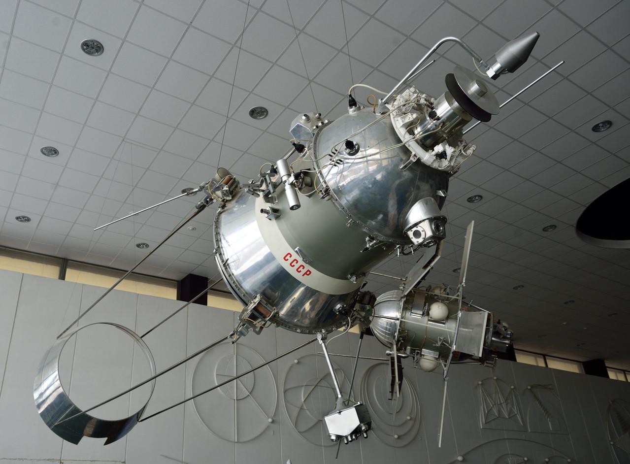 Космический аппарат «Космос-149» с аэрогироскопической системой стабилизации. Копия 1:1. Запуск 21.03.1967 г.