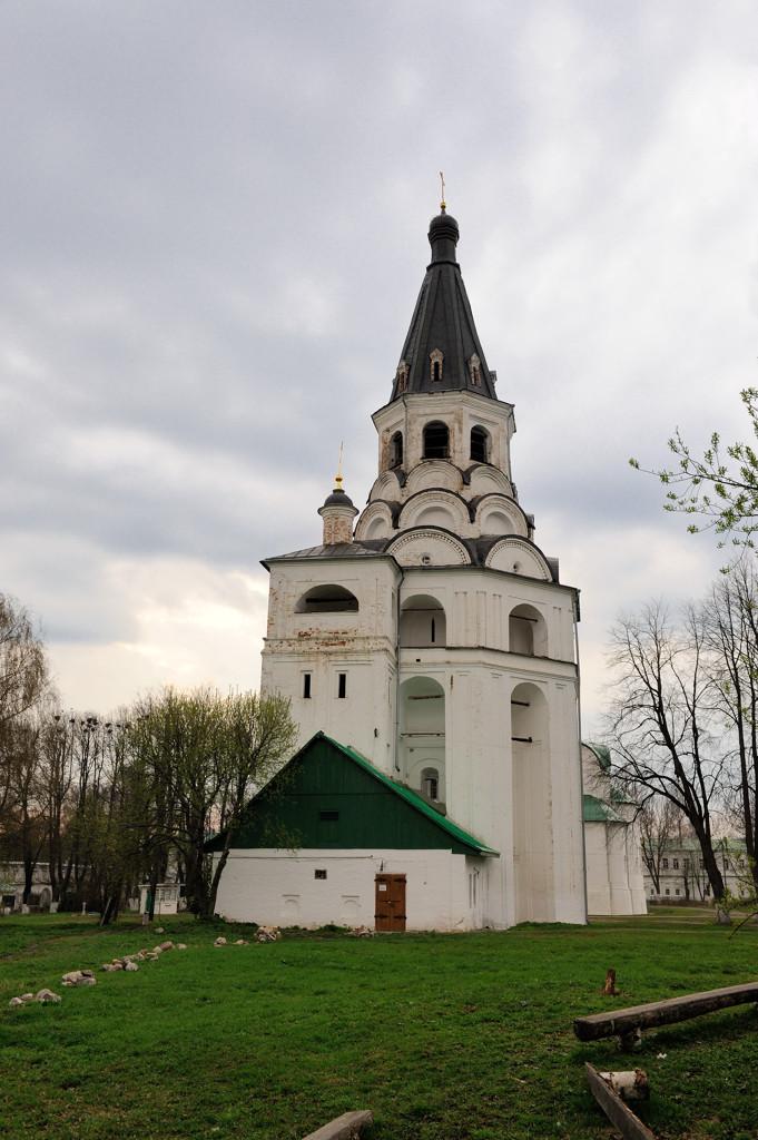 Распятская церковь-колокольня.