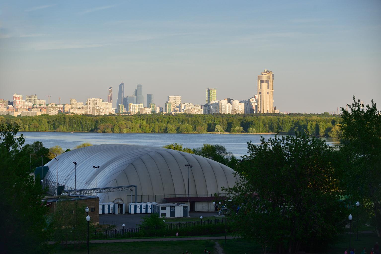 Строгино. Вид на Москва - сити.
