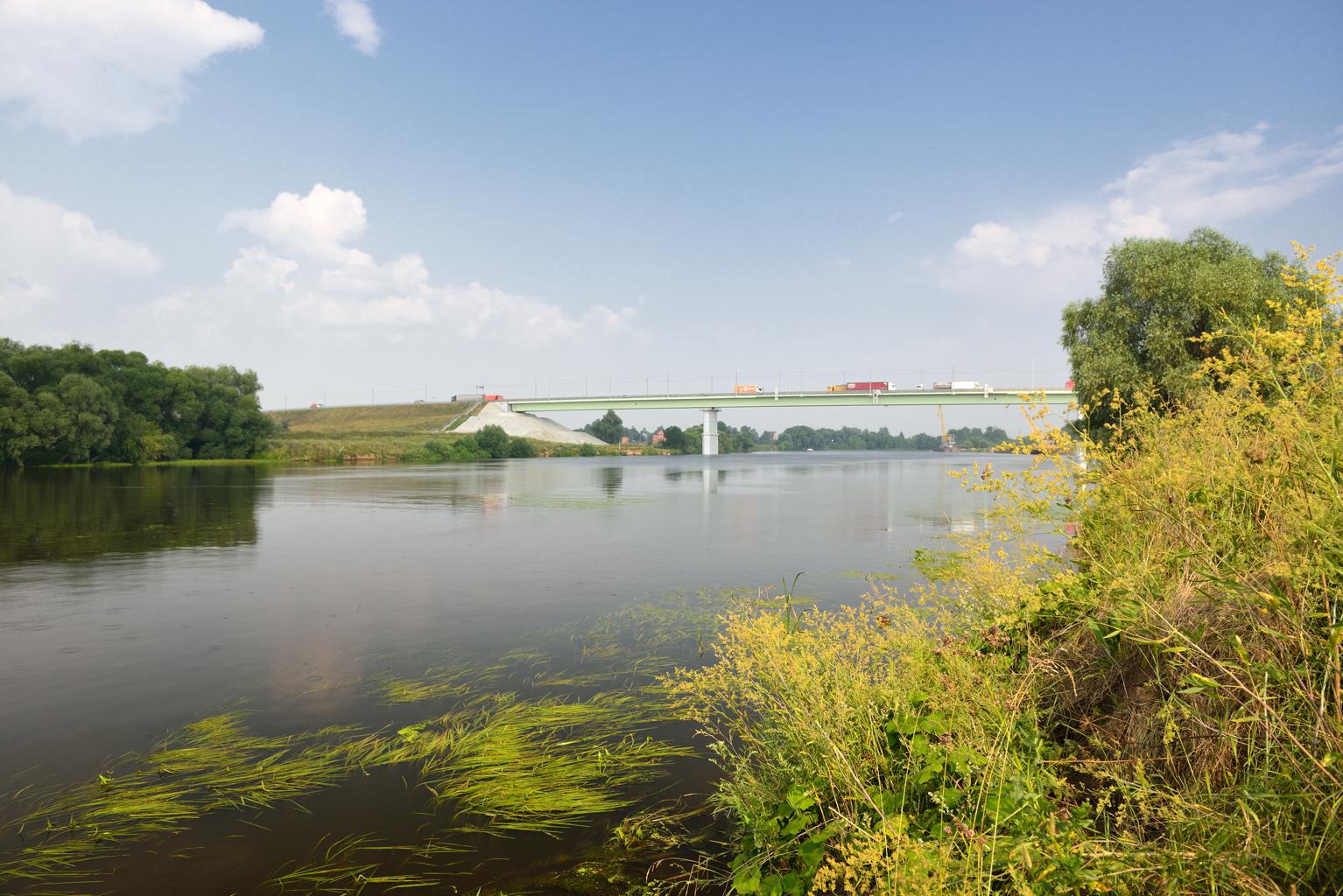 Новый мост через Москва-реку.