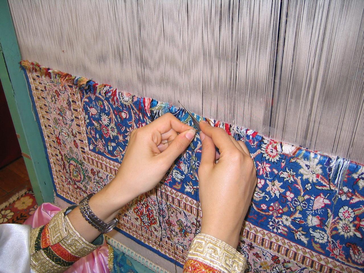 すべて織子の手仕事