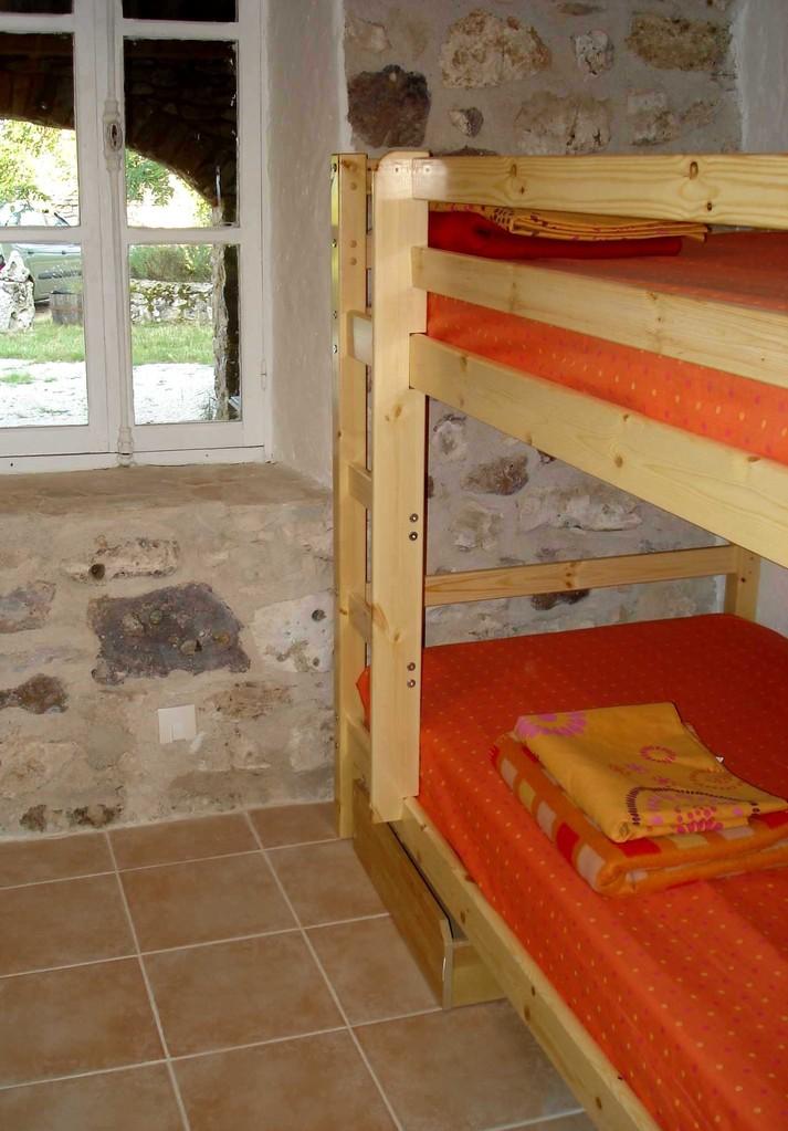 pièce à coucher 2 - 2 lits superposés