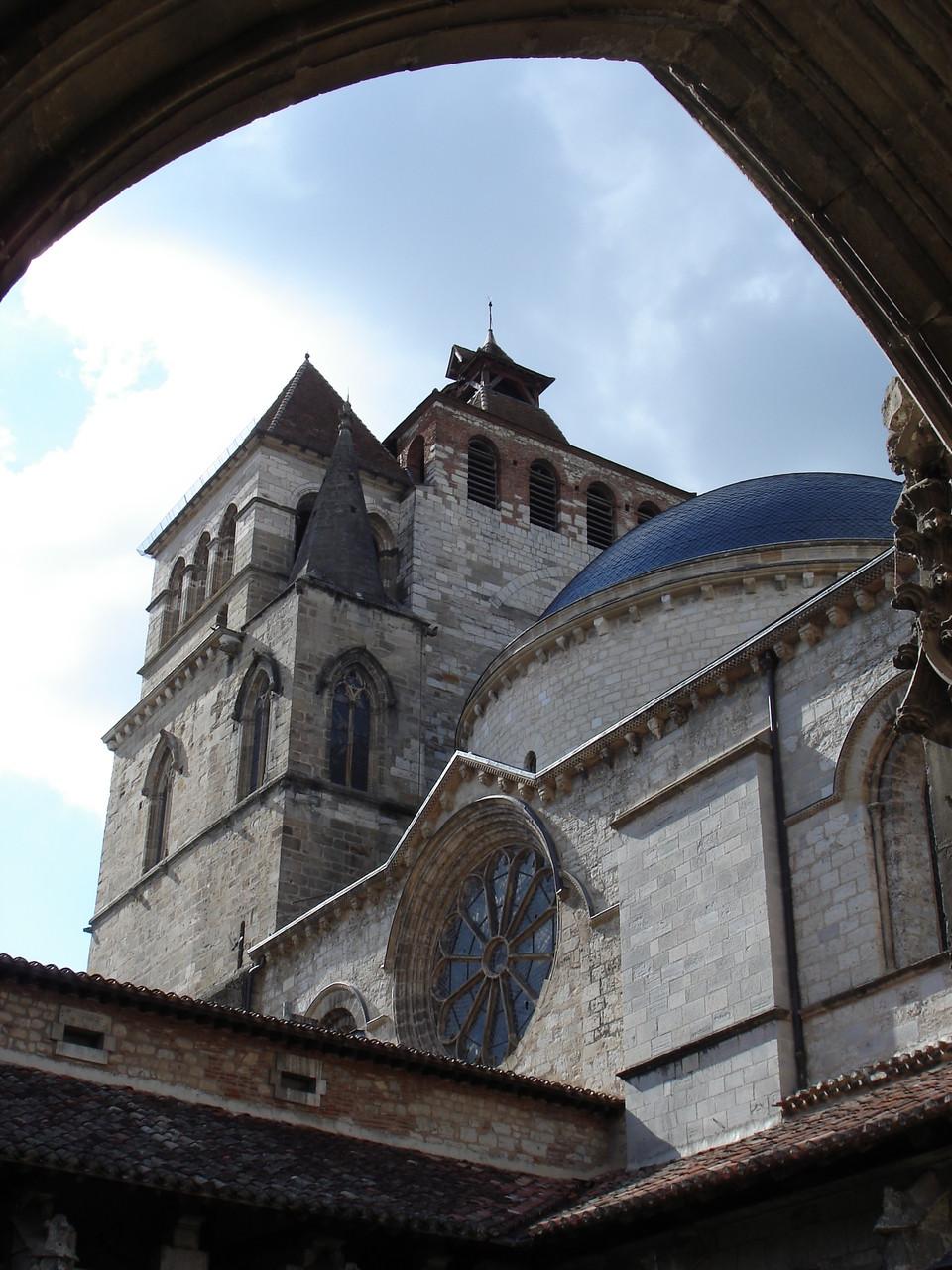 Cathédrale St Etienne depuis le cloître