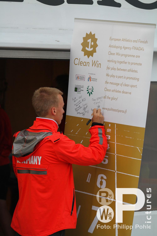 Unterschrift für saubere Siege (links unten Bogatyrev, rechts oben Ivanov)