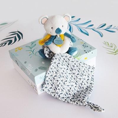 "<FONT size=""5pt"">Yoca le Koala Pantin avec doudou - <B>20,90 €</B> </FONT>"