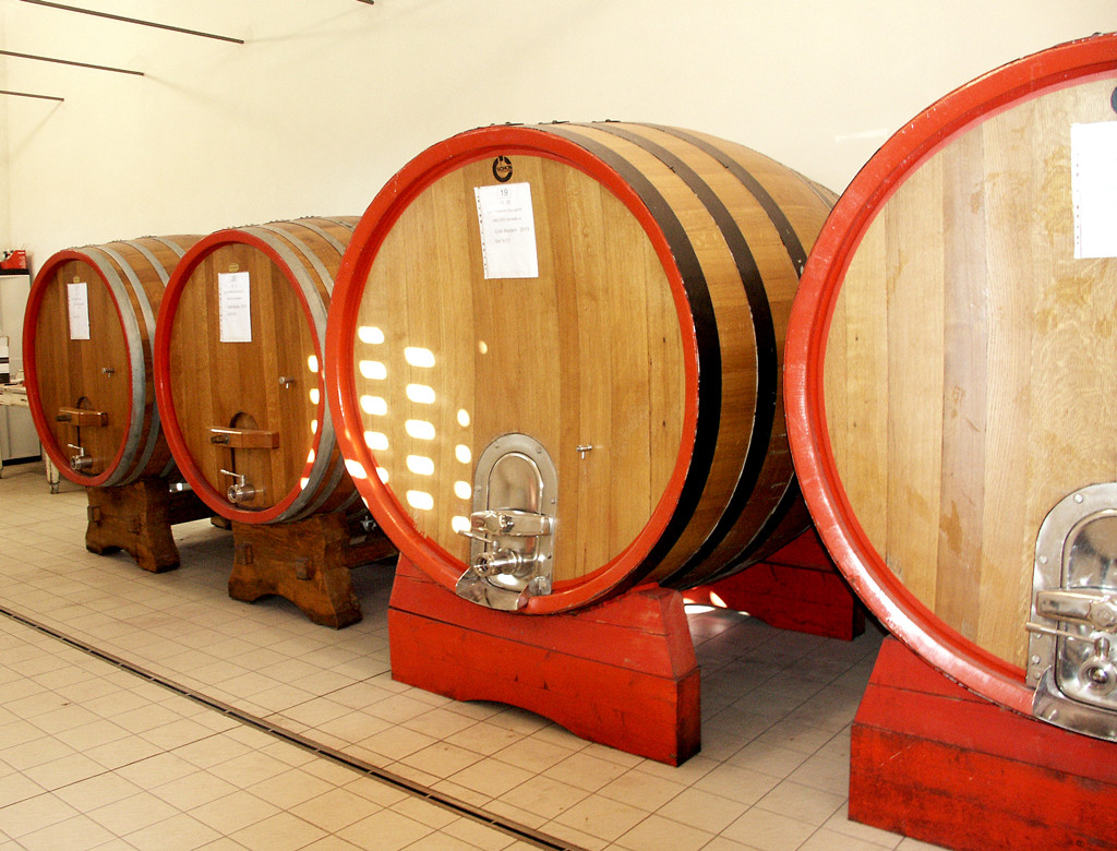 Red wine aging area