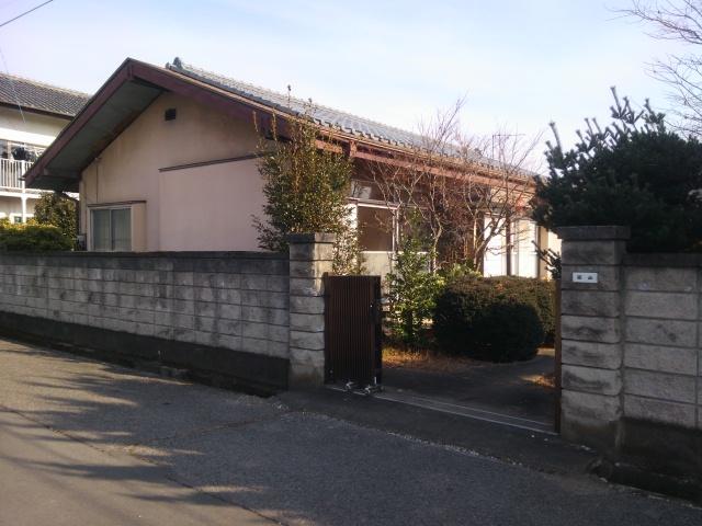 桐生市相生町2-376-15の中古戸建物件。 古い平屋 庭もすごく広い。
