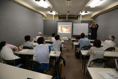 午後からは作品講評を中心とした座学でした!