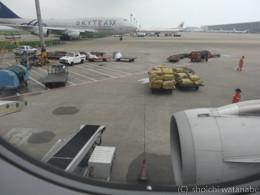 上海でいったんトランジットです。