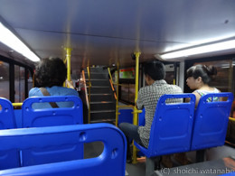 バスの中は割りとキレイです。