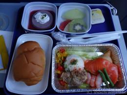機内食もけっこう美味しかったです
