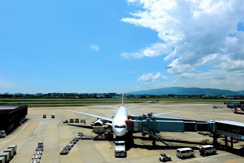 出発前には、せっかく空港に来たので飛行機撮りを楽しみました。