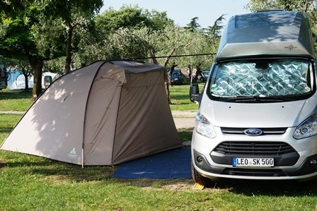 campingbus ford nugget ford nugget aufstelldach mit. Black Bedroom Furniture Sets. Home Design Ideas