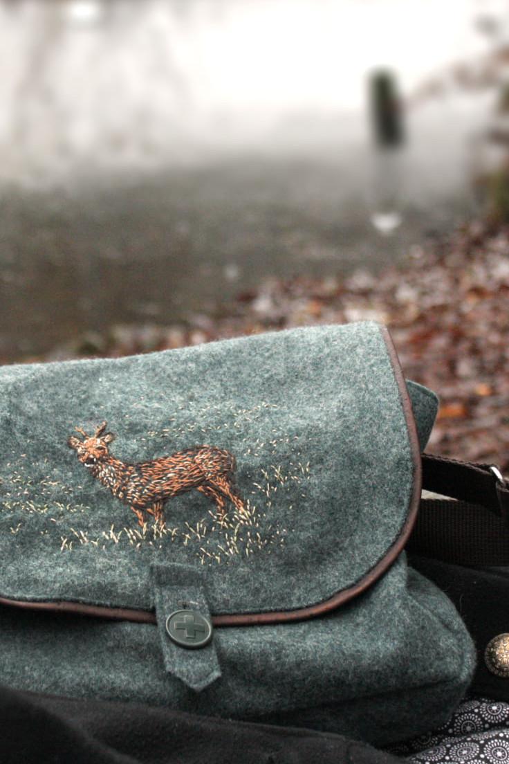 Taschen und Tücher im Spektrum Onlinestore erhältlich