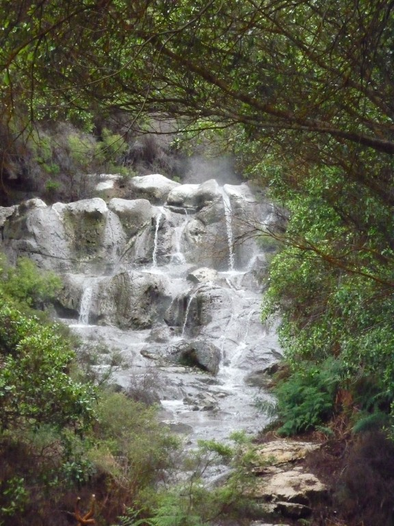 Wasserfall mit 40Grad warmem Wasser :)