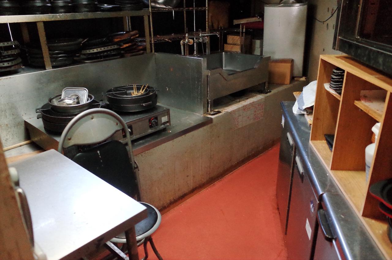 厨房機器などももちろんそのままの状態です。