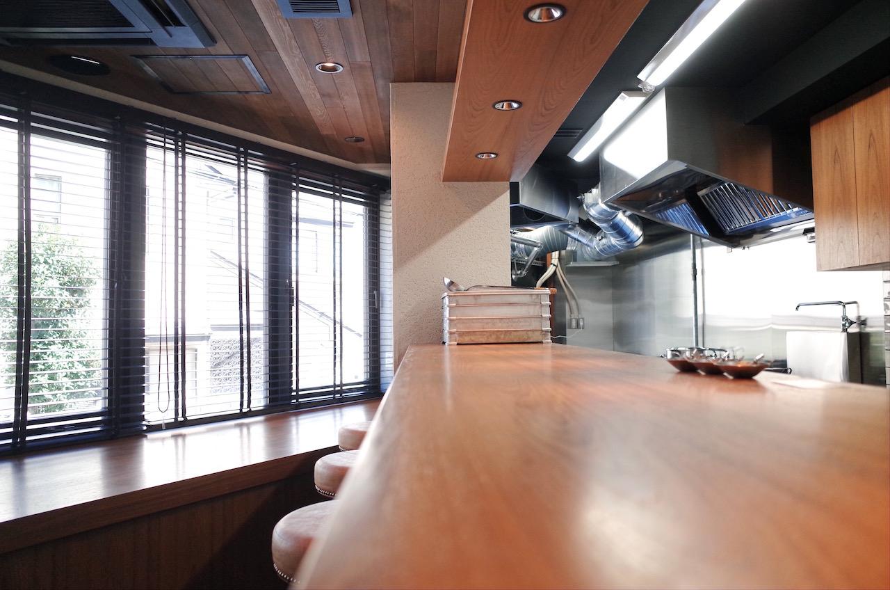 カウンターの天板などはメラミン化粧板で作成しています。(家具工事)
