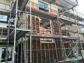 Hanfkonstruktion im Fassadenbau